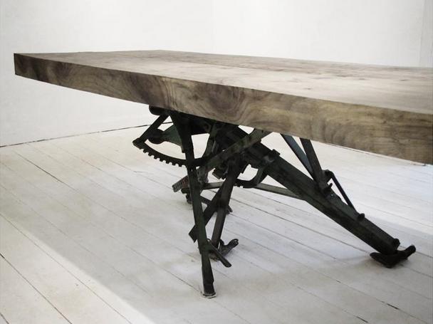 Dahla Hulme metal n wood table