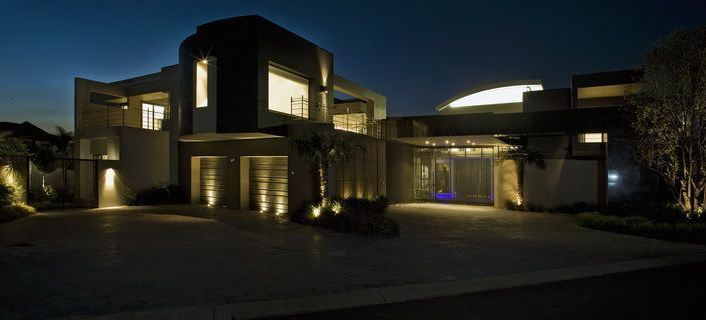 immoafrica-blog-delightful digs-House Cal-exterior night