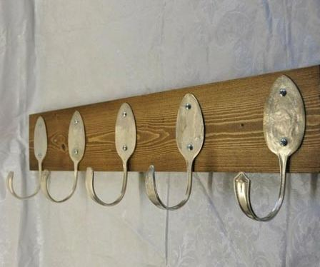 Fun home recycling projects for Coat hanger art projects