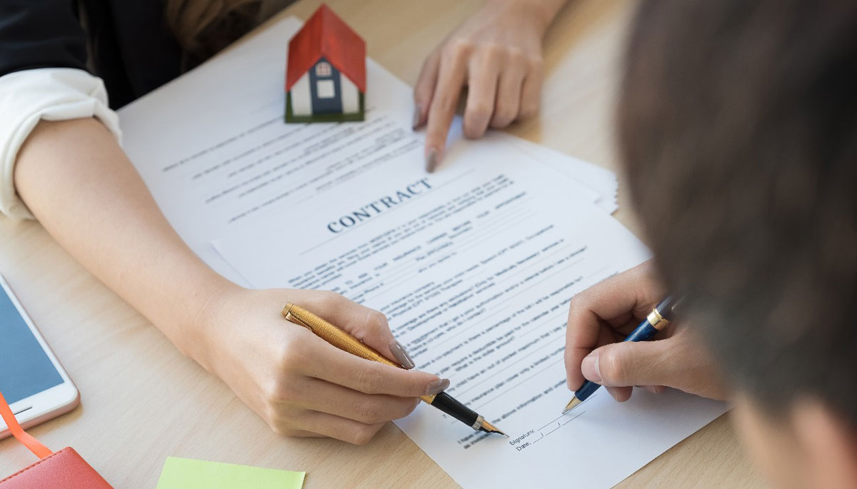 How to Make Sense of a Rental Lease Contract