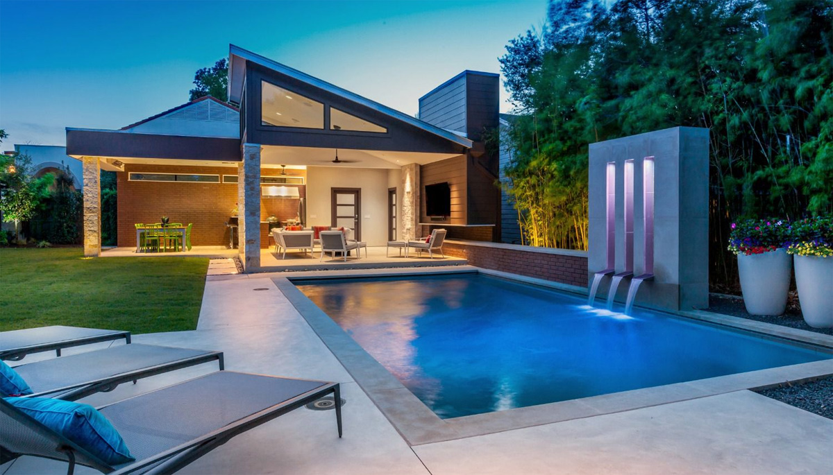 Main PROs and CONs of Buying a Home With a Pool